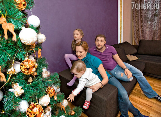 ������� ���� � ������ ��� �� ������, ��� � ������� ����, ������� � �������� �������� ����� ��� (Crocus Group), ���� RUSSIAN TREE, �������: KAEMING, GUAN, WEISTE, GOODWILL, IRENA, MORANDUZZO, KOOPMAN - ���� �������� ���������� ����� ��̻ (CROCUS GROUP)