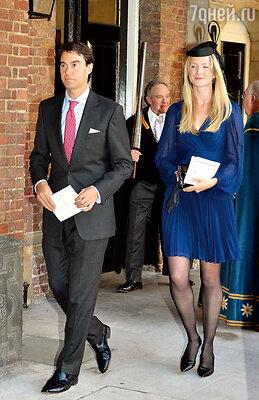 Еще один крестный маленького Джорджа — Уильям ван Катсем — друг и тезка принца— с женой Рози