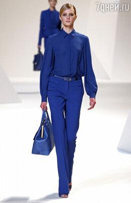 Цвет «электрик» — один из самых красивых цветов модной палитры — снова в моде
