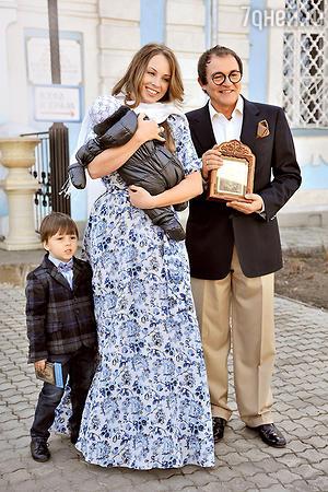 Дибровы крестили сына в годовщину своего венчания