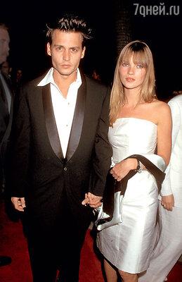 Роман Джонни с Кейт Мосс был самым бурным вистории его отношений сженщинами. 1995 г.