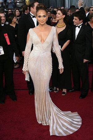 Дженнифер Лопес в платье от Zuhair Murad на премии «Оскар» в 2012 году