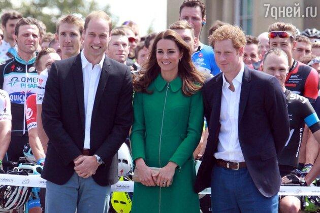 Принц Уильям, герцогиня Кэтрин и принц Гарри