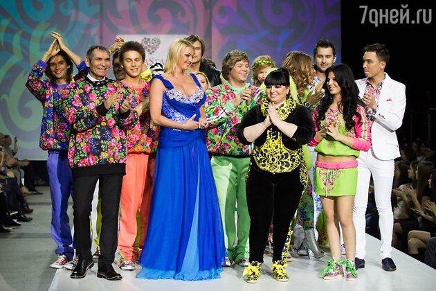 Звезда на показе новой коллекции дизайнерского дуэта «YanaStasia»