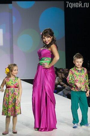 Наталья Бочкарева с детьми