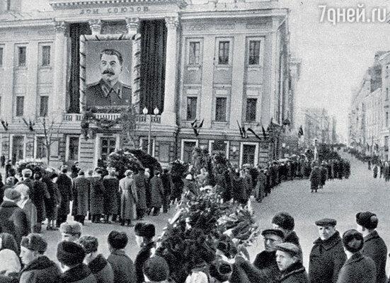 Борис Стругацкий не плакал поповоду смерти Сталина и сам удивлялся своему жестокосердию