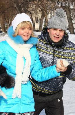 Андрей Соколов и Юлия Меньшова в телесериале «Бальзаковский возраст или Все мужики сво...»