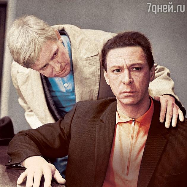 Иннокентий Смоктуновский и Олег Ефремов в фильме «Берегись автомобиля». 1966 г.