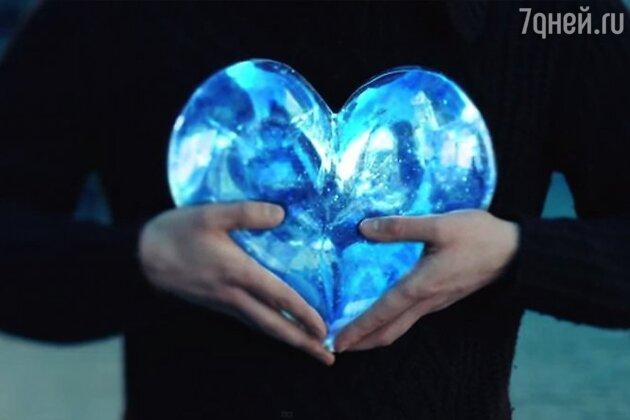 Кадр из клипа «Сердце из стекла»
