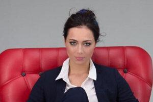 ВИДЕО: Настасья Самбурская набросилась с кулаками на Виктора Дробыша