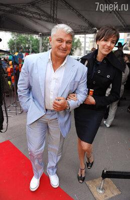 Телеведущий Владимир Турчинский с супругой Ириной