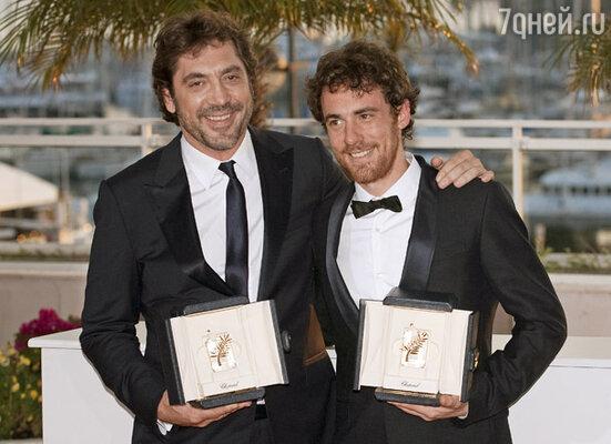 Исполнителями лучших мужских ролей признаны сразу два актера:  Хавьер Бардем (фильм «КрасАта») и итальянец Элио Джермано (фильм «Наша жизнь»)