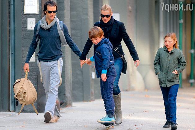«Нед стал моим детям фантастическим отцом! Немногие папы могут похвастаться, что уделяют столько времени и внимания даже родным отпрыскам»