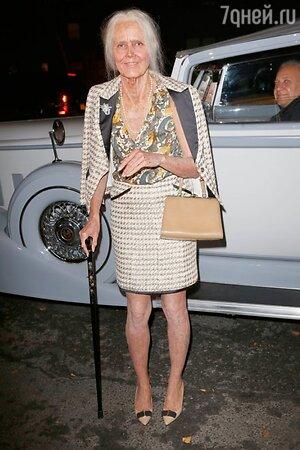 Хайди Клум не боится старости и смело примеряет костюм старой леди