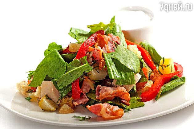 Салат из щавеля с жареным беконом