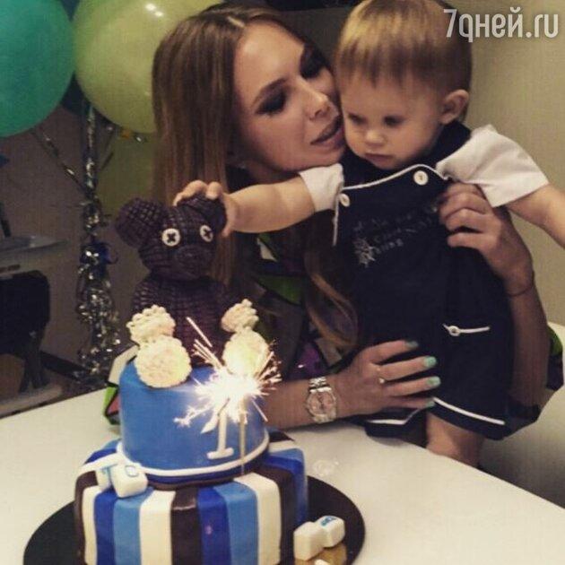 Сын Стаса Пьехи отметил свой первый день рождения