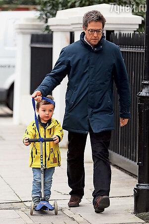 Хью Грант с сыном