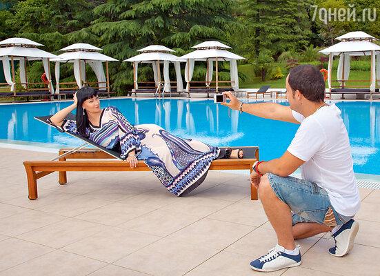 «Мне повезло с мужем, Саша поддерживает меня вовсем. Даже моя безумная идея поставить спектакль вОдессе за свои деньги его не смутила».  Открытый бассейн RODINA GRAND HOTEL & SPA