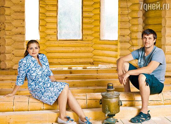 Дмитрий: «Мы очень ревнивая парочка, но стараемся друг друга беречь... Я ничего о прошлом Пеговой не знаю и знать не хочу, она про мою прошлую жизнь — тоже, и вообще: до встречи с ней я был девственником!»