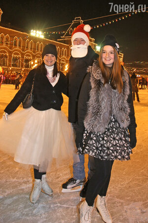 Екатерина и Александр Стриженовы с дочкой