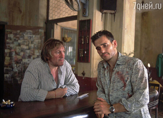 С Жераром Депардье в своем режиссерском дебюте«Город призраков»