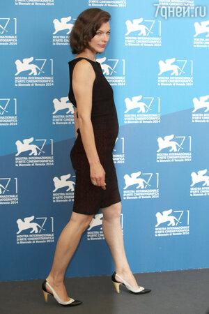 Милла Йовович на Венецианском кинофестивале
