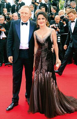 С мужем Франсуа-Анри Пино наКаннском кинофестивале. 2012 г.