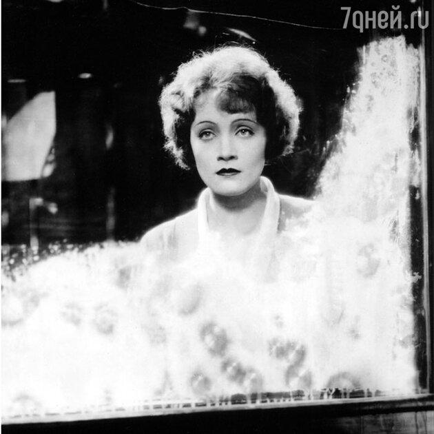 Марлен Дитрих. 1929 г.