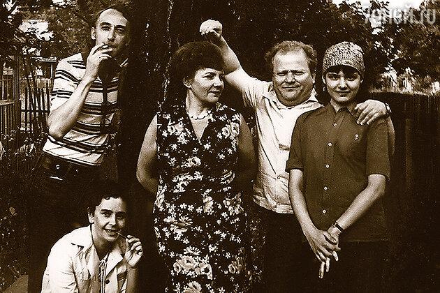 Александр Иванов, Ольга Заботкина, Римма Казакова, Владимир и Ольга Савельевы