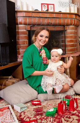 Татьяна Морозова с 10-месячной дочкой Соней