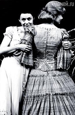 С Ольгой Яковлевой в спектакле Театра на Малой Бронной «Три сестры»