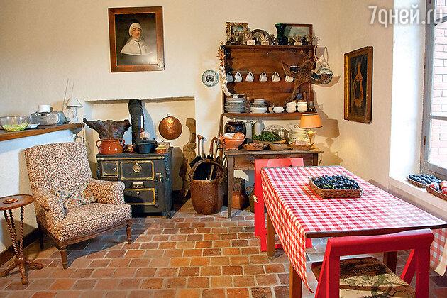 Французский дом Александра Васильева