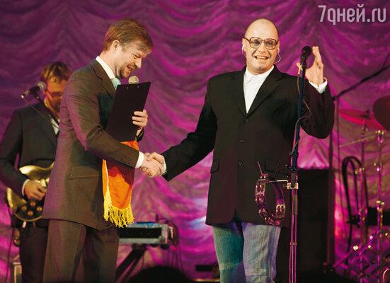 Валдис Пельш и Алексей Кортнев во время концерта
