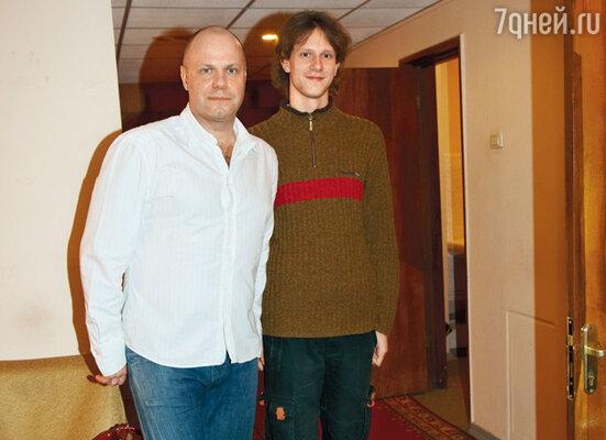 «Артемий — точная копия меня, 20-летнего» (Алексей Кортнев со старшим сыном)