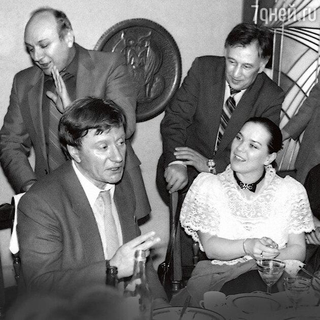 Андрей Миронов и Лариса Голубкина с Михаилом Жванецким и Павлом Хмарой.