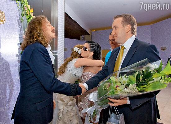 Поздравления от Дианы Гурцкой и ее мужа Петра Кучеренко