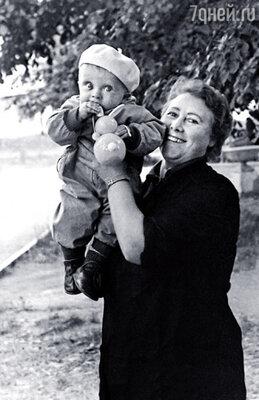 Любимую бабушку Марию Иосифну Ваня называл своим ангелом-хранителем