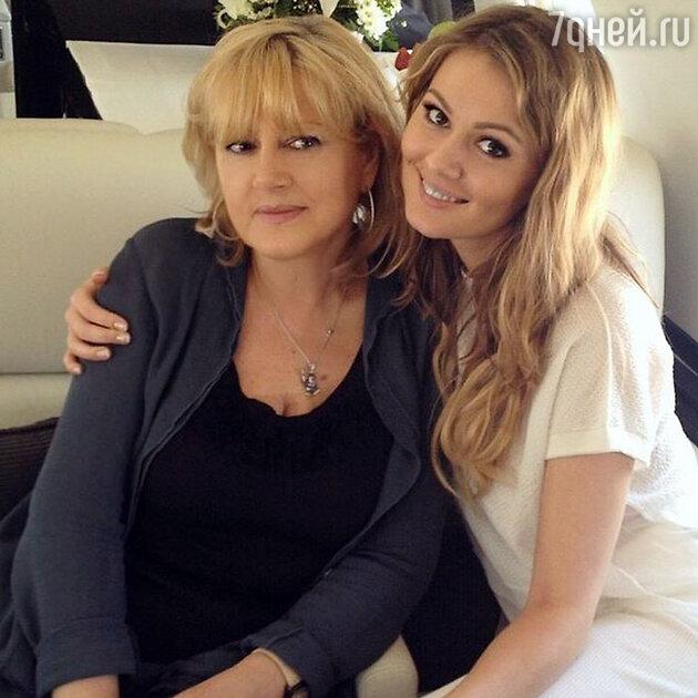 Мария Кожевникова с мамой
