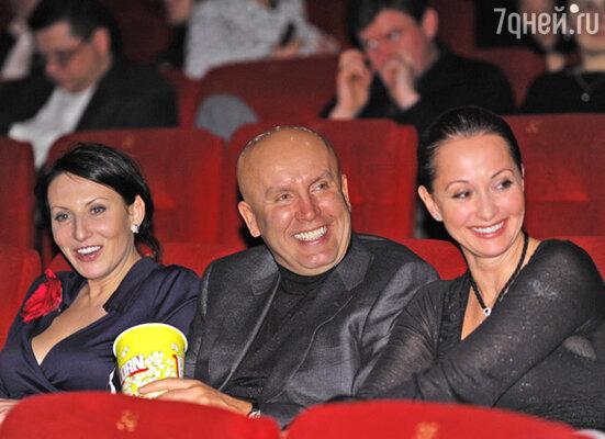 Алика Смехова (слева) и  Ольга Кабо с мужем Николаем