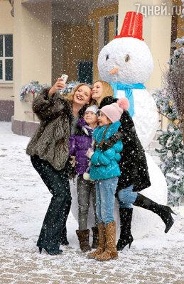 Светлана Иванова и Екатерина Вилкова со своими экранными дочками