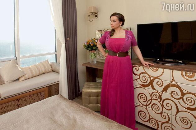Анфиса Чехова показала свою уютную квартиру