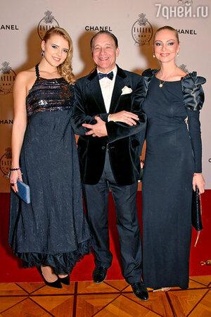 Максим Дунаевский с женой Мариной и дочкой Марией