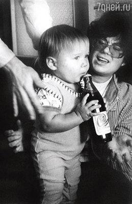 С мамой Илоной Броневицкой. 1981 г.