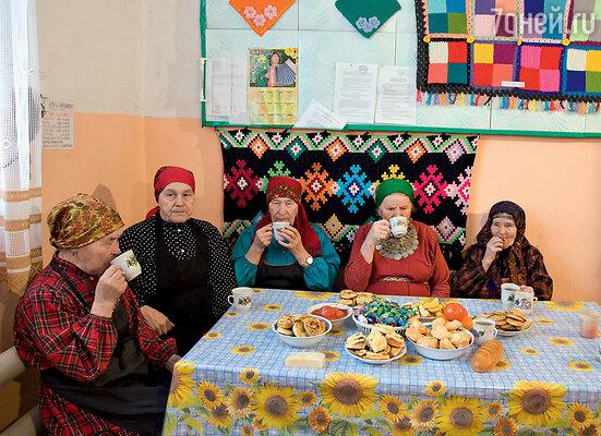 «Бурановские бабушки»: «Нам нужны только борщ и пельмени»