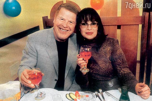 Михаил Кокшенов с женой