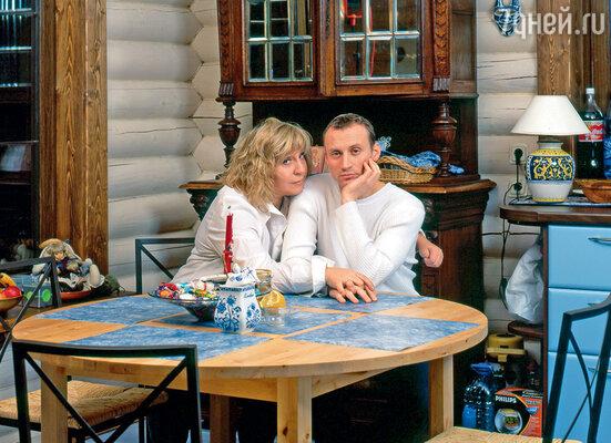 У Марины с Толей Белым была большая разница в возрасте, тем не менее они прожили вместе почти 10 лет...