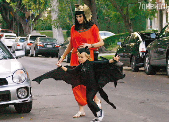 Лив Тайлер и ее сын Мило