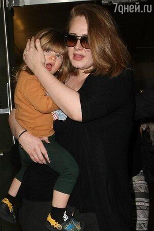 Адель с сыном Анжело