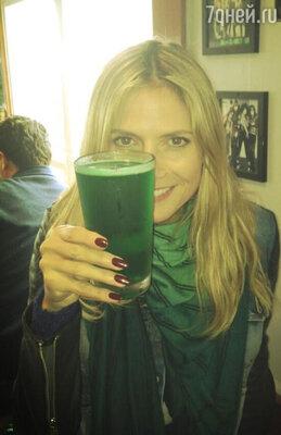 Немецкая топ-модель, мать четверых детей и обладательница роскошной фигуры Хайди Клум в честь праздника позволила себе стаканчик эля!