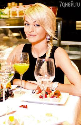 «Поскольку наш внешний вид сильно зависит от того, что мы едим, еще стараюсь правильно питаться»